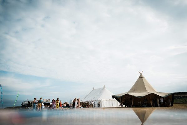 wedding-with-tipi-in-cornwall